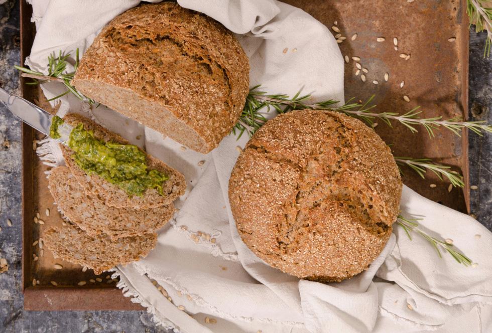 לחם גריסים ובירה (צילום: יפית בשבקין )