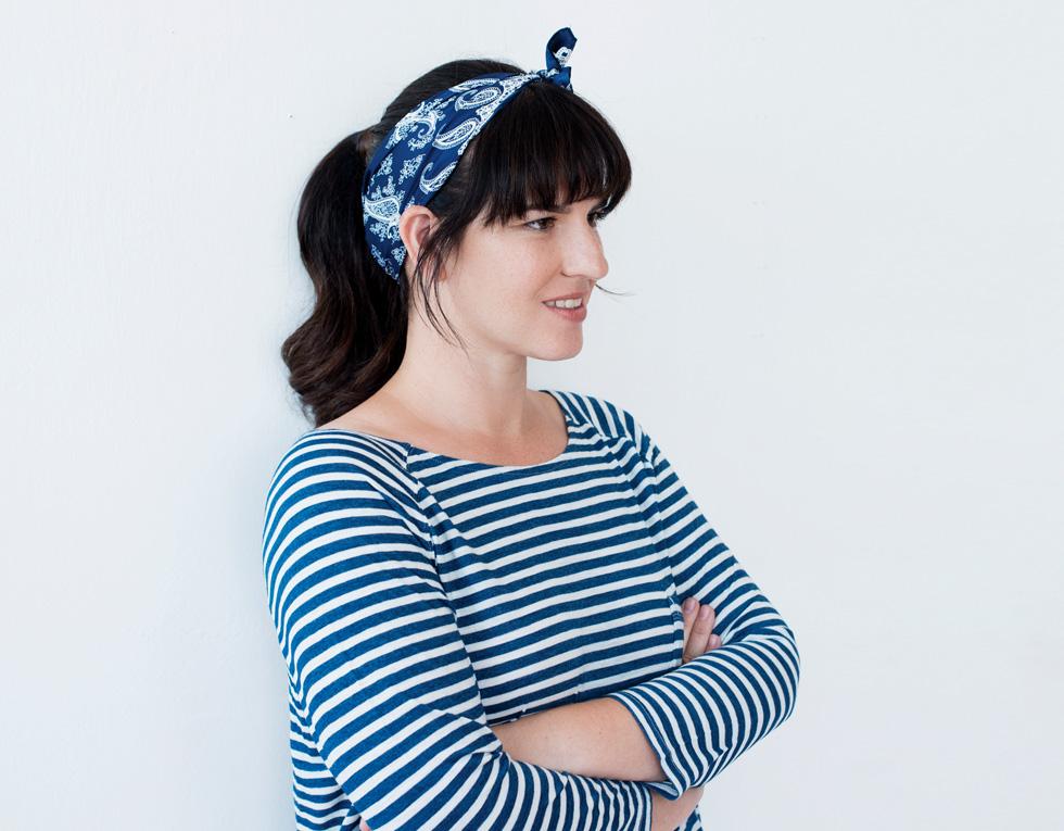 את בעניין של כיסוי ראש? הנה ההזדמנות שלך לשלב הדפסים (בנדנה, 40 שקל, ברשקה) (צילום: עדו לביא, סטיילינג: תמי ארד-ברקאי)