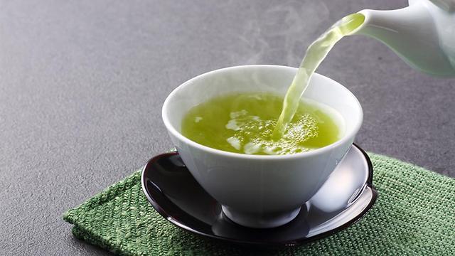 תה ירוק. מפחית כולסטרול וסוכר בדם (צילום: shutterstock)
