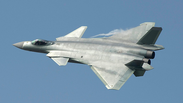 """החמקן הסיני J-20: """"ישבור את המונופול האמריקאי"""" (צילום: EPA) (צילום: EPA)"""