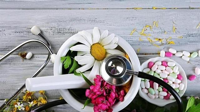 הרפואה שתראה באדם מכלול של גוף, נשמה ונפש וכך יש לטפל בו (צילום: shutterstock) (צילום: shutterstock)