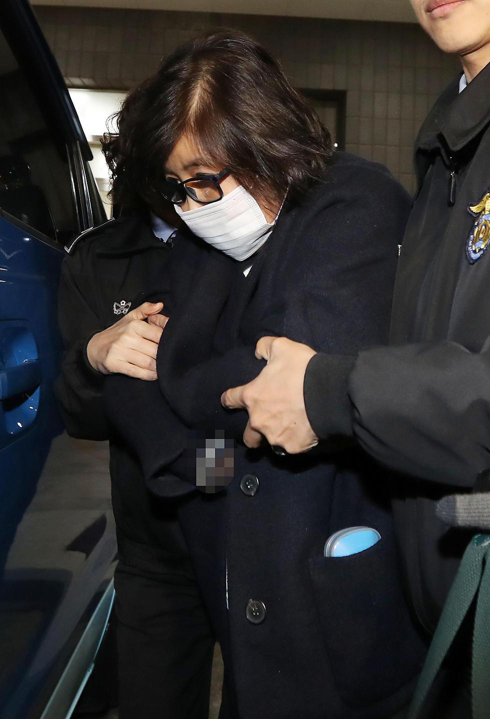 צ'וי התקרבה לנשיאה הדרום קוריאנית בזכות אביה (צילום: AFP) (צילום: AFP)