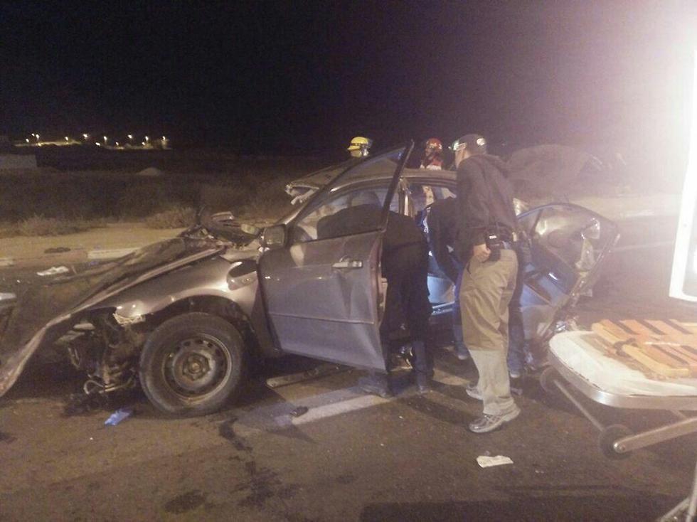 תאונת הדרכים הקטלנית בבאר שבע (צילוםף דוברות כבאות והצלה) (צילוםף דוברות כבאות והצלה)