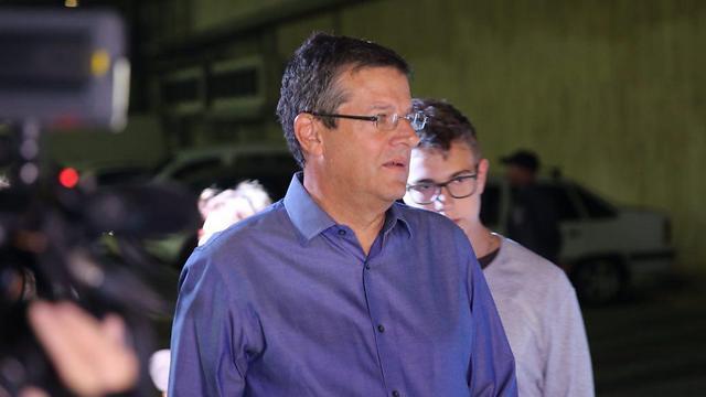 יובל רבין בעצרת, הערב (צילום: מוטי קמחי) (צילום: מוטי קמחי)