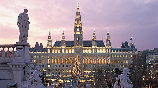 קר בחוץ וחם בלב: כל ההמלצות לשוקי הכריסמס השווים באירופה ()