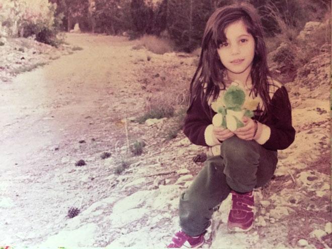 """לירון אלעד, תמונת ילדות. """"תמיד אמרתי שיש לי אח אחד וחיות"""" (צילום: אלבום פרטי)"""