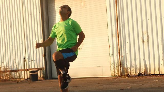 Avishai Iraki exercising with the IDEO on his right foot (Photo: Adi Berkovich)