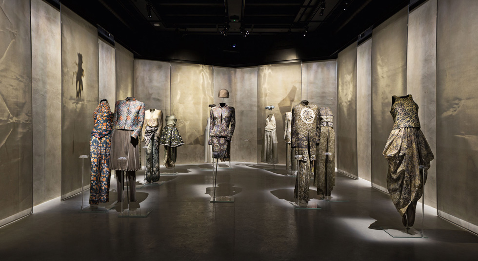 מוזיאון ארמאני סילוס מציג את מיטב הפריטים שיצר ג'ורג'יו ארמאני במהלך 40 שנות קריירה (צילום: Davide Lovatti)