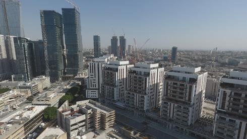 כמה קומות של מגדלים - וכמה קומות של מבנה ציבור? לחצו על התצלום  (צילום: take Air רחפן)