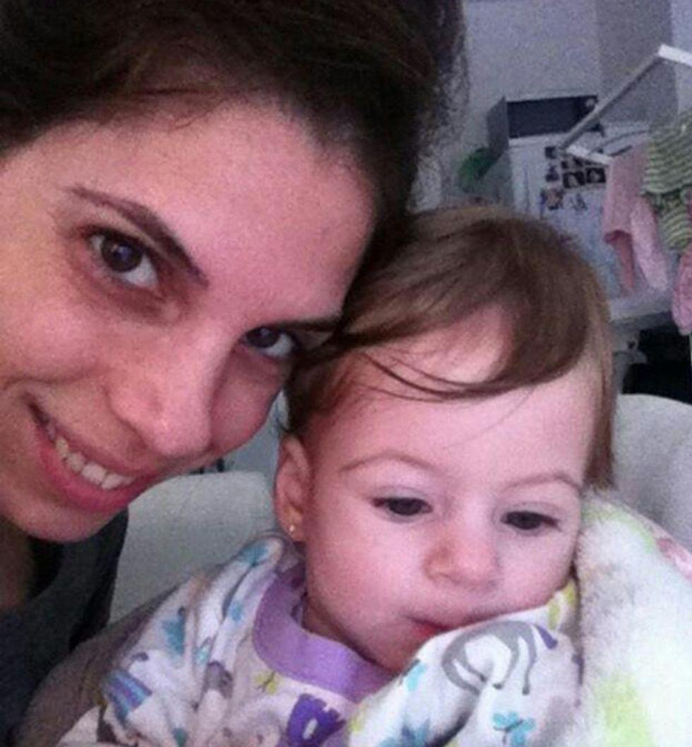 סיוון חיוני-פישר ובתה רני. התמונות שוב אצלה ()