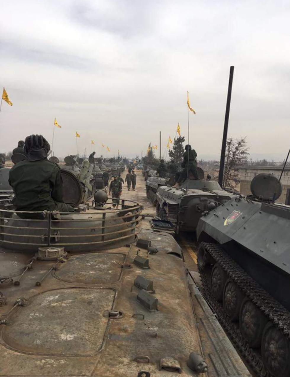 מפגן כוח של חיזבאללה בסוריה, בחודש שעבר ()