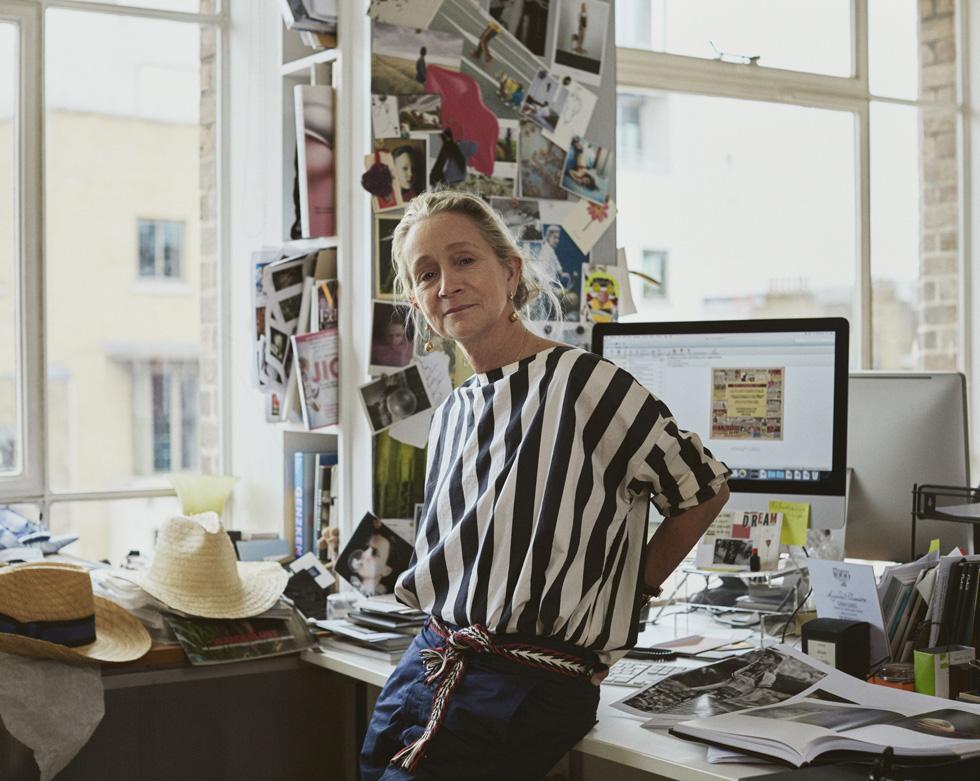"""מי משפיע על האופנה הבריטית? """"אופנה טוטאלית: בתוך ווג הבריטי"""" (צילום: באדיבות yes דוקו)"""