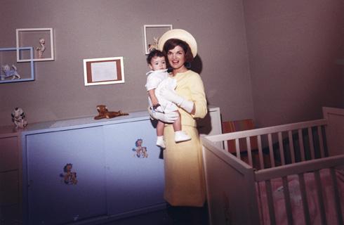 הדיון בסגנון הלבוש של קנדי הציף בימים האחרונים את ענף האופנה והבידור, בעקבות הבחירות לנשיאות בארצות הברית (צילום: Gettyimages)