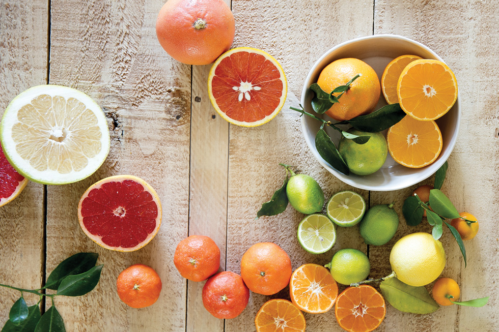 לימון מוסיף המון, וגם תפוז ואשכולית (צילום: יוסי סליס, סגנון והכנה: נטשה חיימוביץ')