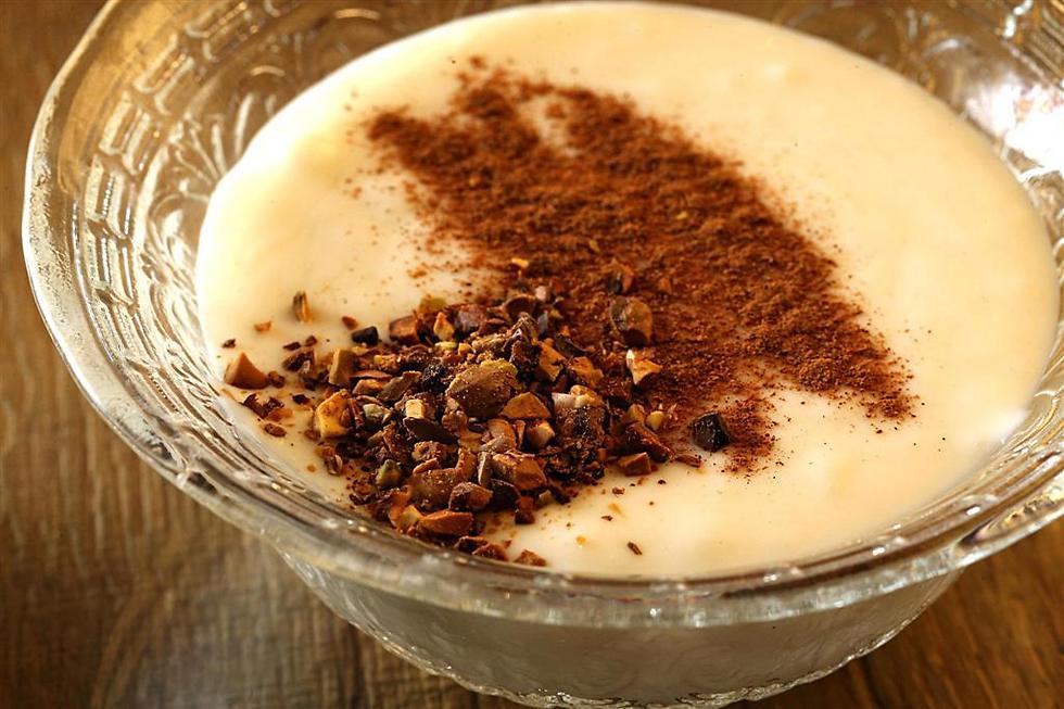 מעז יצא מתוק. קרם חלב טורקי עם קינמון (צילום: צביקה טישלר)