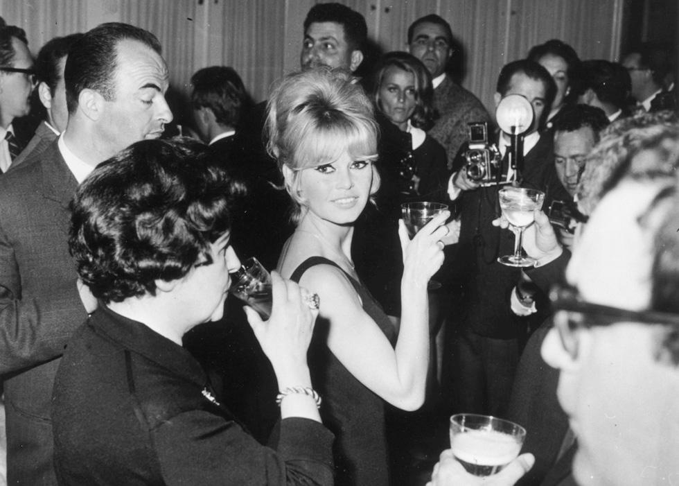 האישה שכולם רצו בקרבתה. בריז'יט בארדו, 1963 (צילום: Gettyimages)