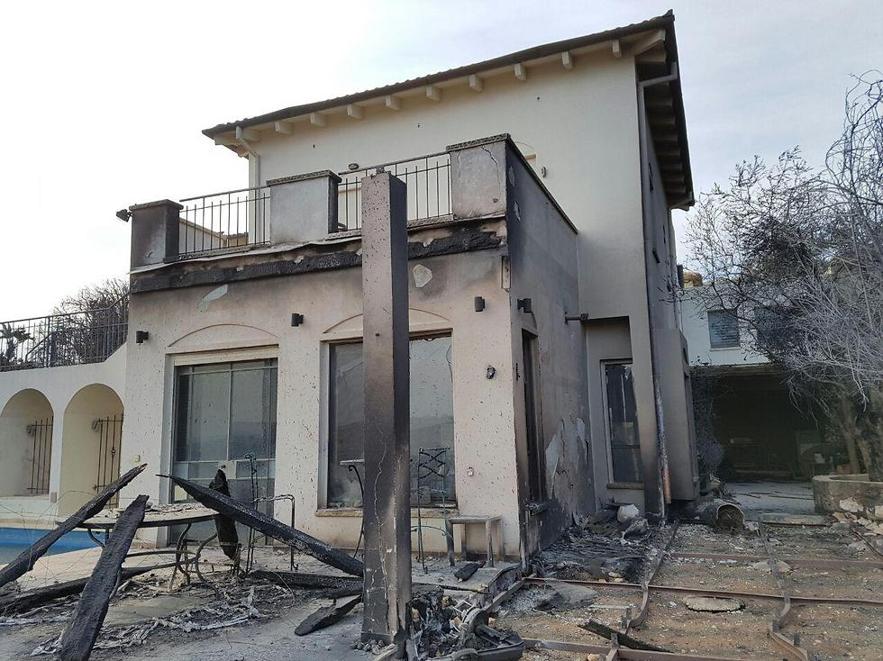 Fire damage in Zikhron (Photo: Ido Erez)