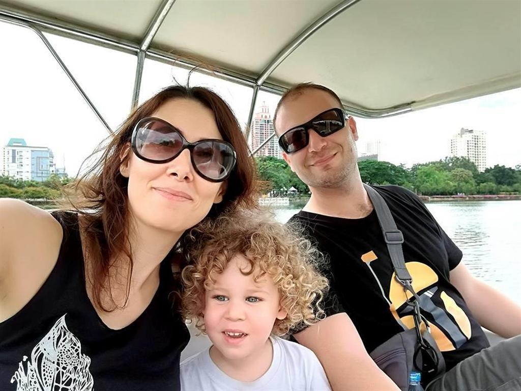 רון הופמן, אשתו ובנו (צילום עצמי ) (צילום עצמי )