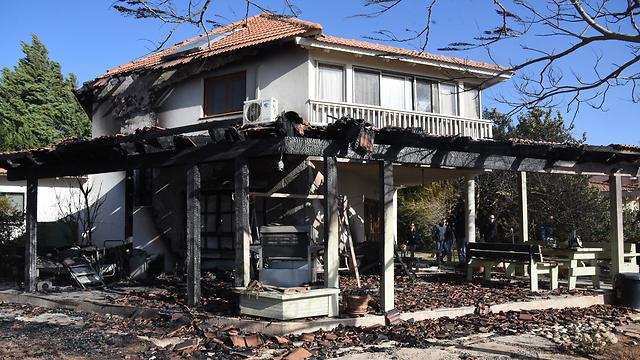 נזק לבית בגילון (צילום: אביהו שפירא) (צילום: אביהו שפירא)
