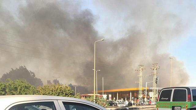 השריפה בצומת סביון (צילום: רחל קדרס) (צילום: רחל קדרס)