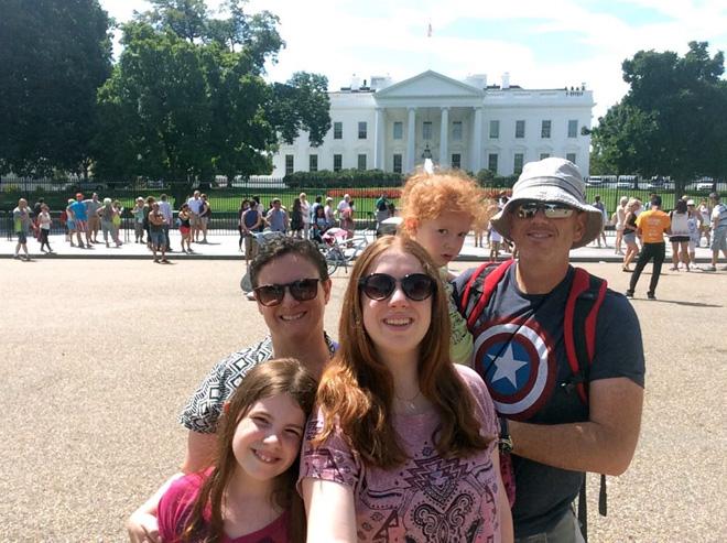 """""""ידעתי שכאן אני מתחילה את תהליך ההבראה המשפחתי שלנו"""". בטיול המשפחתי לארה""""ב (צילום: אלבום פרטי)"""