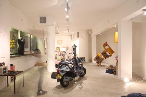 תערוכה של שי שניידרמן, 2016 (צילום: אחיקם בן יוסף)