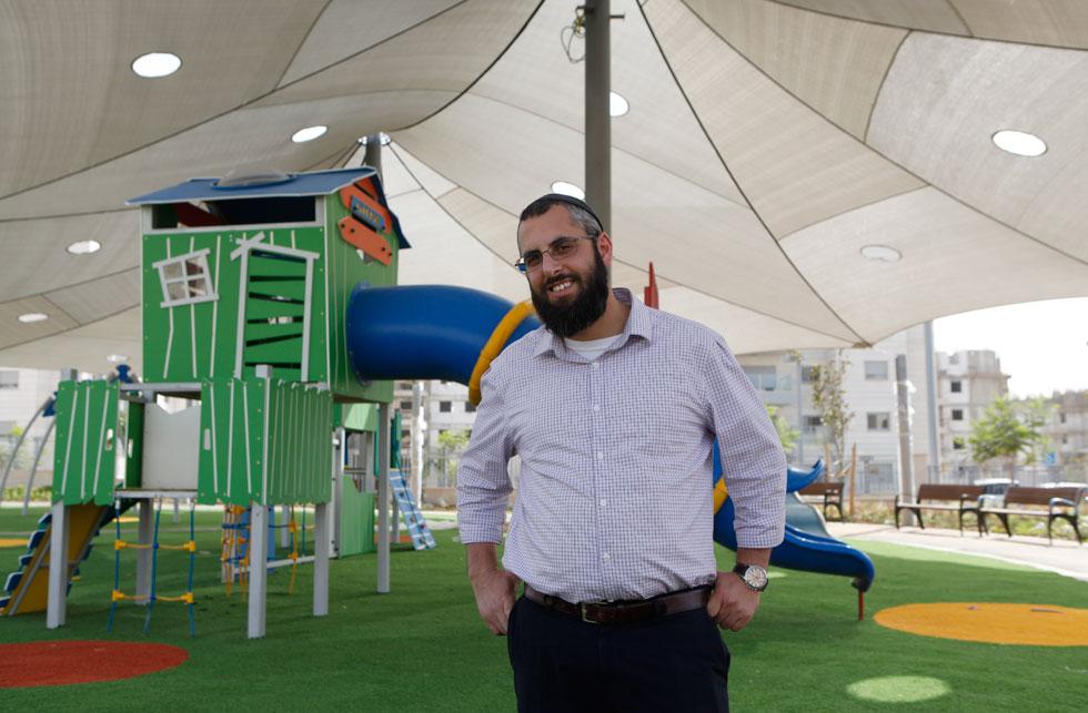 ראש המועצה הכמעט-הכי-צעיר בישראל, יצחק קשת (37): ''חלק מהלקחים נלקחו ממודיעין. זו לא תהיה רק עיר של מגורים ושינה ובניינים וכבישים, אלא עיר של אנשים'' (צילום: עמרי טלמור)
