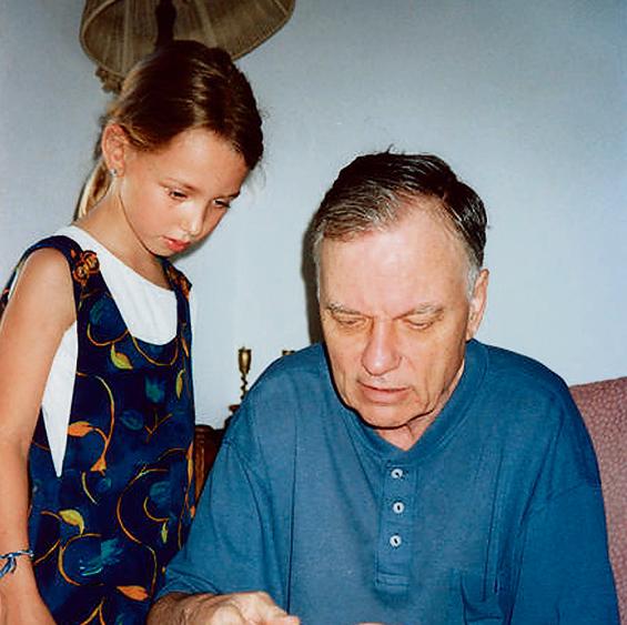עם הבת נעמה בתחילת שנות ה־2000