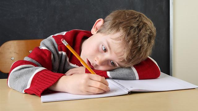 הילד חולם? יכול להיות שהוא סובל מהפרעת קשב וריכוז (צילום: shutterstock) (צילום: shutterstock)
