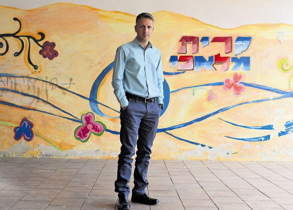"""מיכאל בן שטרית: """"התחלתי ללמוד את ה־ABC בגיל 25"""" (צילום: אבי רוקח)"""