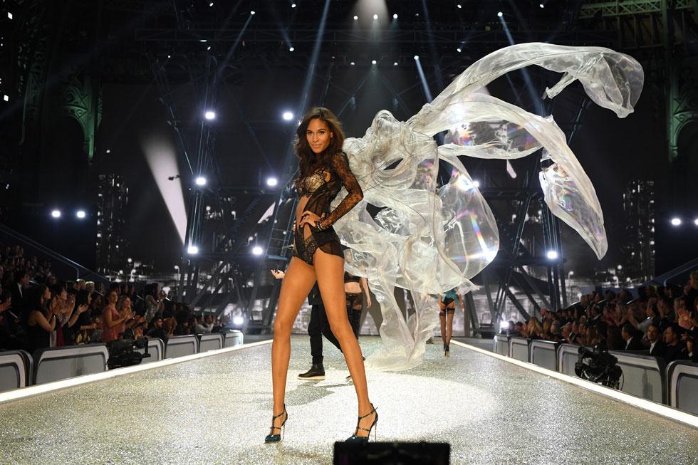 מלאכית עם כנפיים. סינדי ברונה (צילום: Gettyimages)