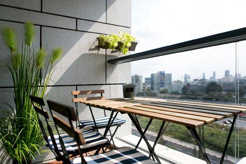 המרפסת הקטנה (צילום: שירן כרמל)