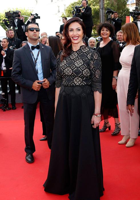 בפסטיבל קאן בשנה שעברה: מירי רגב בשמלת תחרה שחורה של המעצב דרור קונטנטו (צילום: EPA)