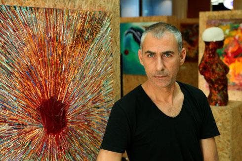 """""""אבא שלי לא אהב שהלכתי לכיוון של אמנות. הוא פחד שאמצא את עצמי עם מקצוע שלא מכניס כסף"""". הקליקו על התמונה (צילום: צביקה טישלר)"""