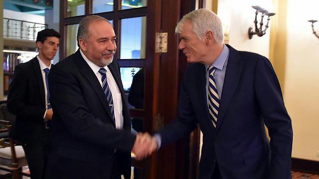 Lieberman meeting with EU ambassadors to Israel (Photo: Ariel Hermoni, Defense Ministry)