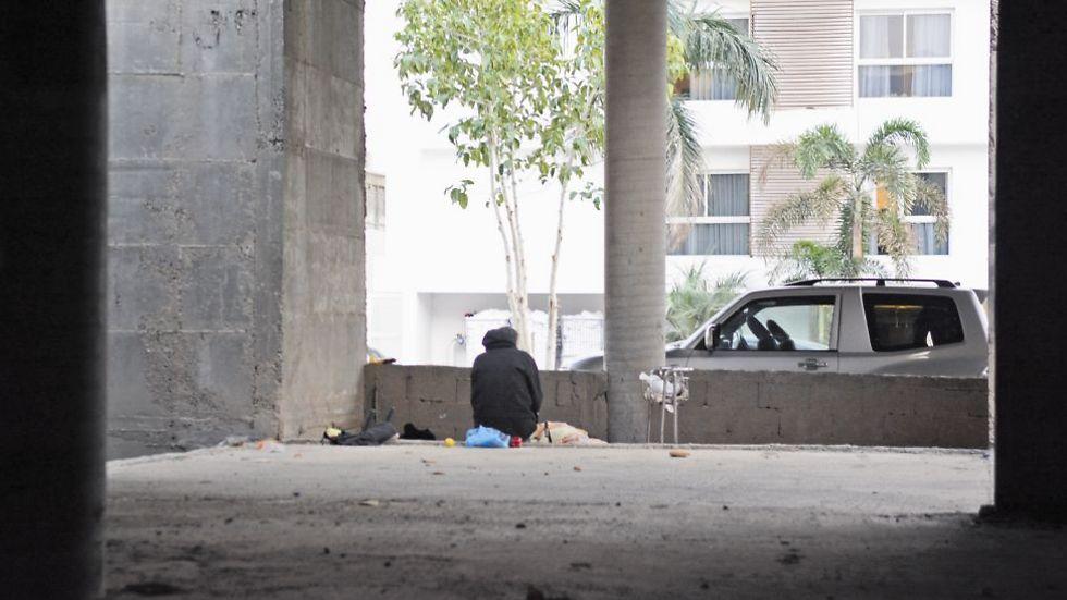 לא כולם מוצאים בלבם רחמים עבור דרי הרחוב (צילום: יוסי דוס-סנטוס)