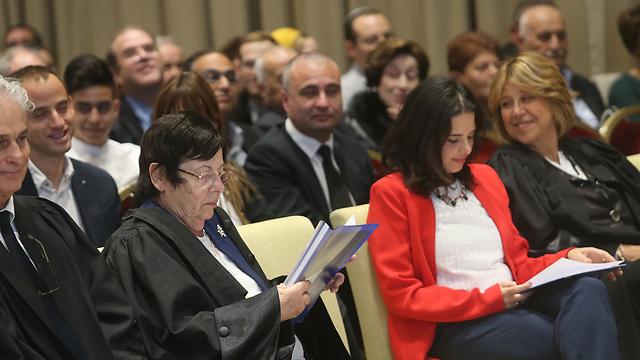 מרים נאור ושרת המשפטים איילת שקד בטקס (צילום: אלכס קולומויסקי) (צילום: אלכס קולומויסקי)