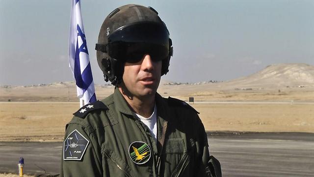 """הטייס הישראלי הראשון שיטיס את ה""""אדיר"""". מפקד הטייסת סא""""ל יותם (צילום: רועי עידן) (צילום: רועי עידן)"""