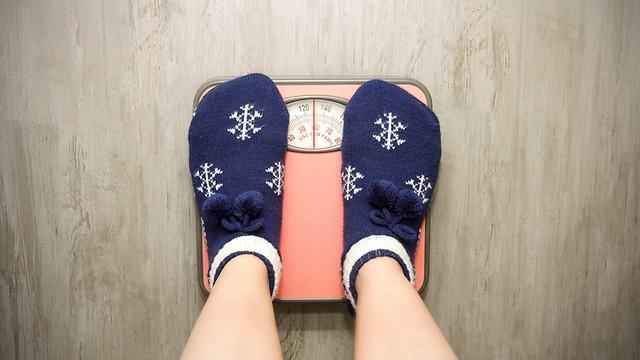 לא מפתיע. עולים במשקל בחורף (צילום: shutterstock) (צילום: shutterstock)
