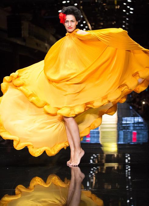 """""""אף פעם לא ראיתי את הבגד שלי - ראיתי רק אותה"""", אמר אלבר אלבז (צילום: אורית פניני)"""