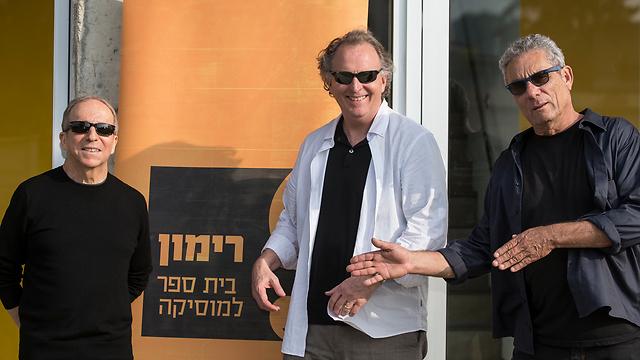 יהודה עדר נשיא רימון, רוג'ר בראון נשיא ברקלי ודני סנדרסון (צילום: רמי זרנגר)