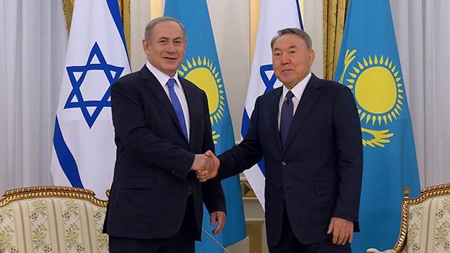 Prime Minister Benjamin Netanyahu with Kazakhstan President Nursultan Nazarbayev (Photo: Haim Zach/GPO)