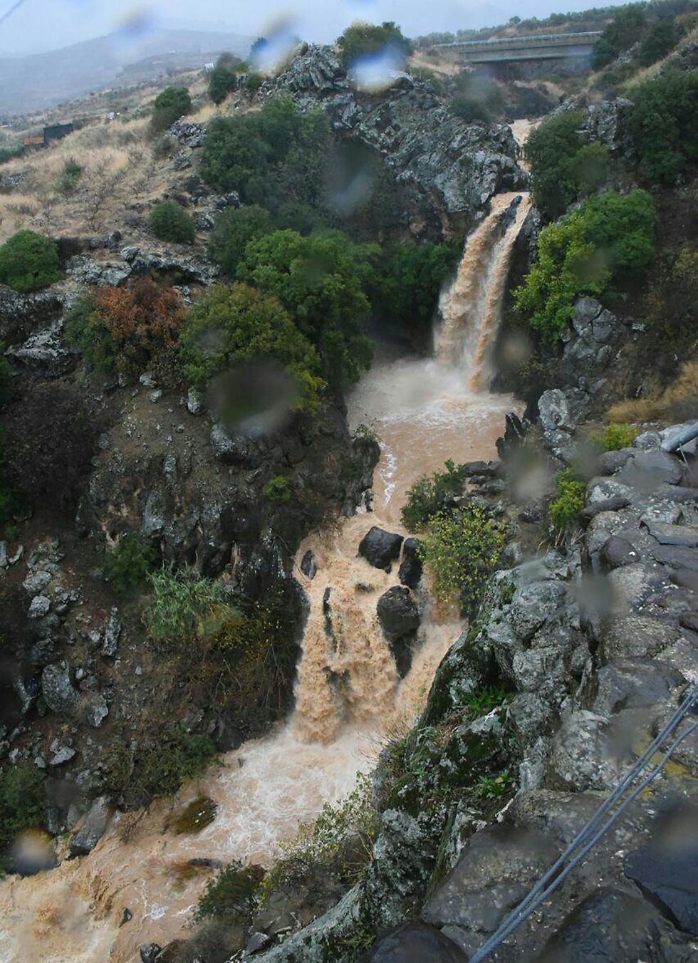 מפל מים בנחל סער (צילום: אביהו שפירא) (צילום: אביהו שפירא)