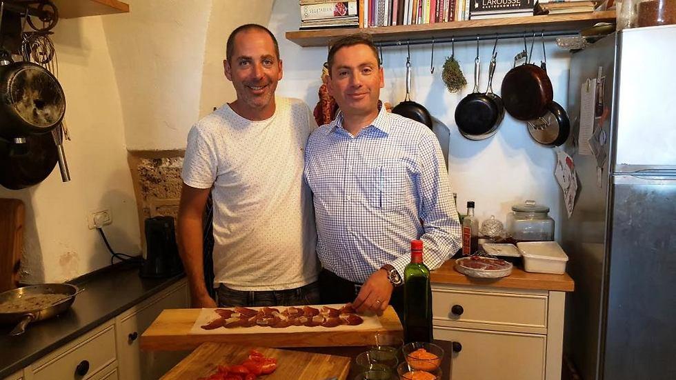 עם ניר צוק ממסעדת מאפו בפרימה סיטי תל אביב ()