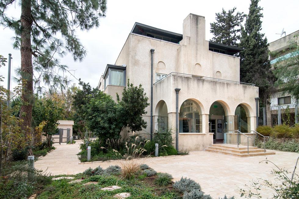 הבית בשדרות בן מיימון 46 בשכונת רחביה. כאן התגוררו דוד ופולה בן גוריון, אחריהם בני הזוג אשכול, וגם גולדה מאיר עד התפטרותה (צילום: אילן נחום)