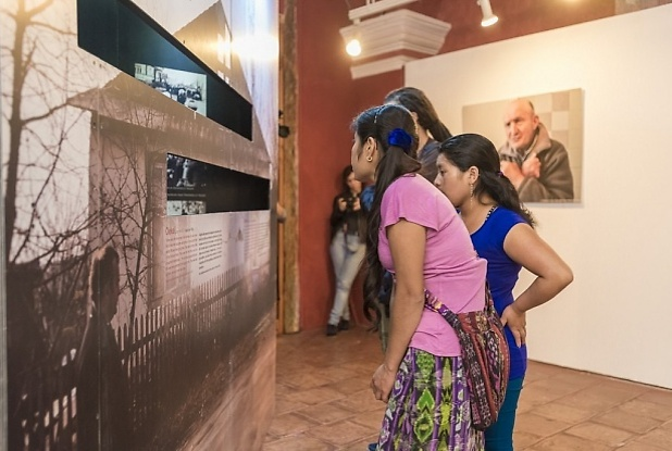 Visitors at the musem (Photo:Museo de Holocausto)