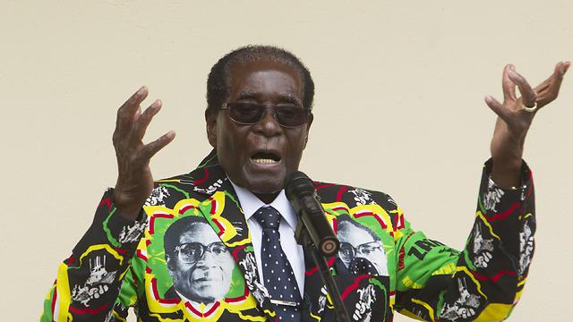 """""""העליבה את הנשיא"""". הרודן רוברט מוגאבה (צילום: AP)"""