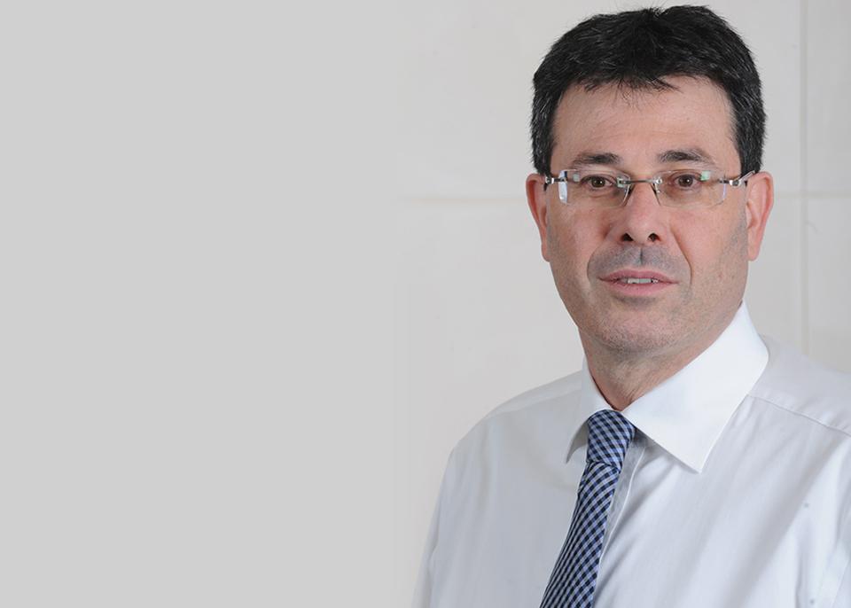 """מנכ""""ל בנק מזרחי טפחות, אלדד פרשר ()"""