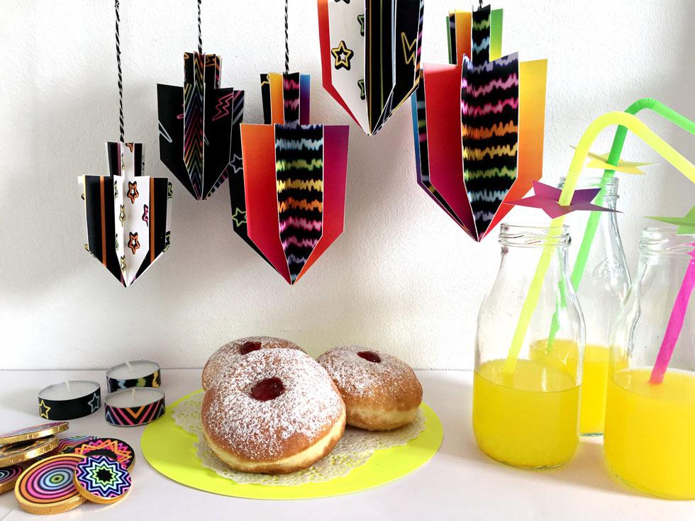 יצירות נייר בהשראת צבעי ניאון לשדרוג שולחן החג (צילום: דנה הדר)