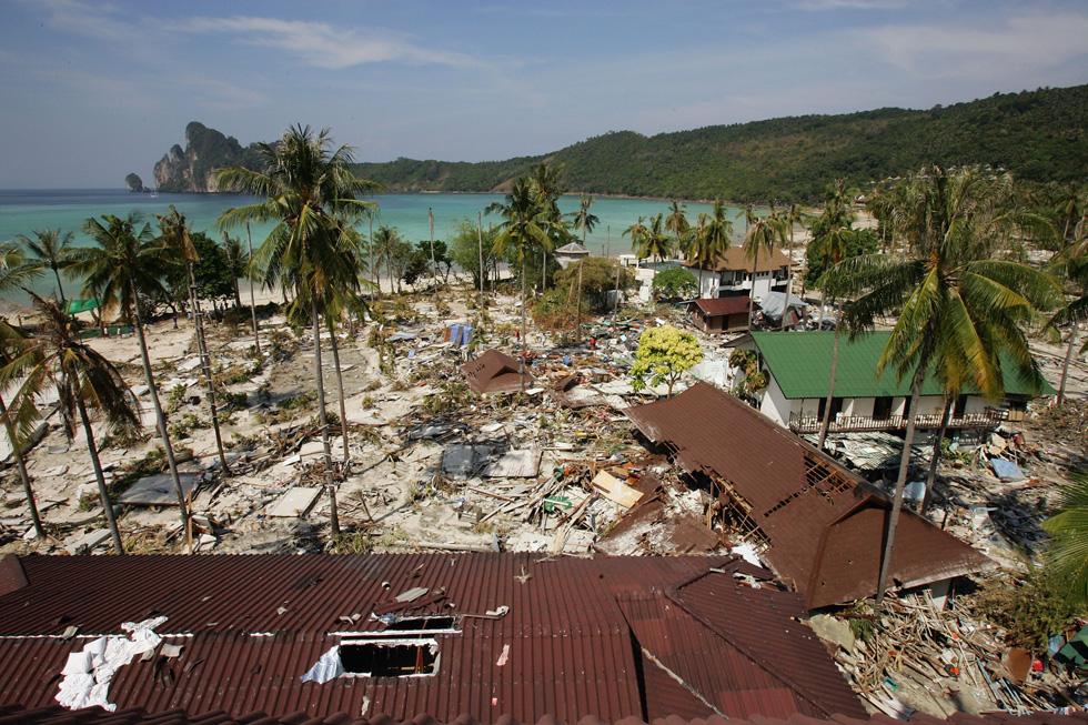 כך נראה האי התאילנדי קופיפי אחרי הצונאמי. ההערכה היא שמספר ההרוגים הכללי באסון הגיע לכ-283 אלף איש (צילום: Gettyimages)